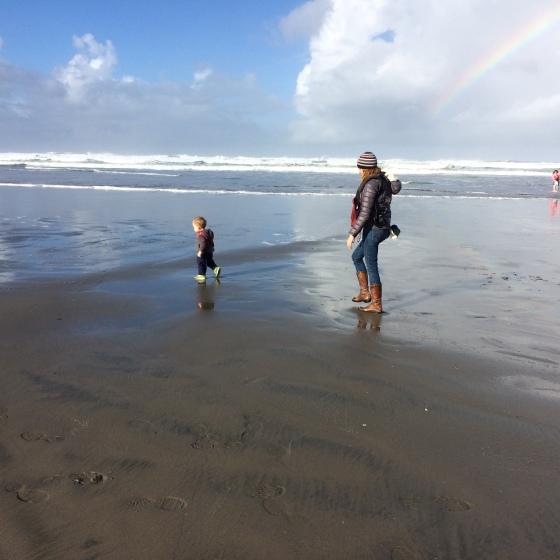 beach mama chasing e